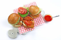 1409-12201-crispy-chicken-burger-1040x650-72dpi-7_754-1